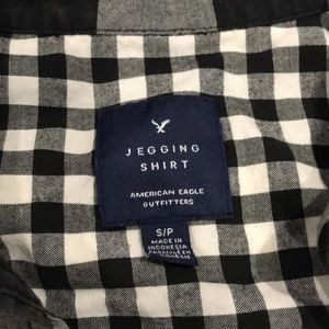 American Eagle plaid jegging shirt.